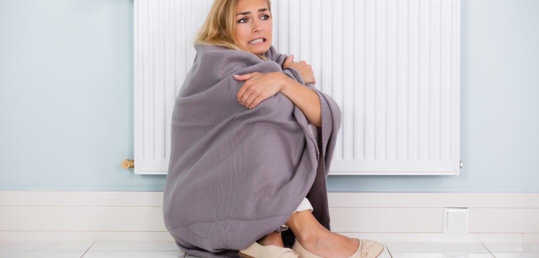 Kvinde fryser