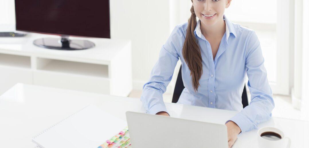 Kvinde med eget kontor